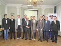 DPA stipendijas saņēmēji un sveicēji - Izglītības un zinātnes ministrs R.Ķīlis, DPA vadītājs J.Vilders, Fonda Vadītājs I.Forands, LU dekāns J.Borzovs