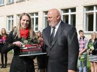 Par apbalvojumu priecīgs arī skolas direktors Juris Krastiņš